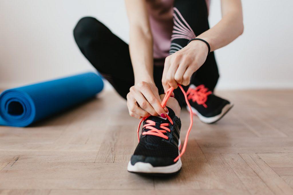 girl-tying-shoelaces
